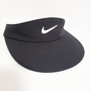 NIKE Women's Black Aerobill Golf Visor Hat